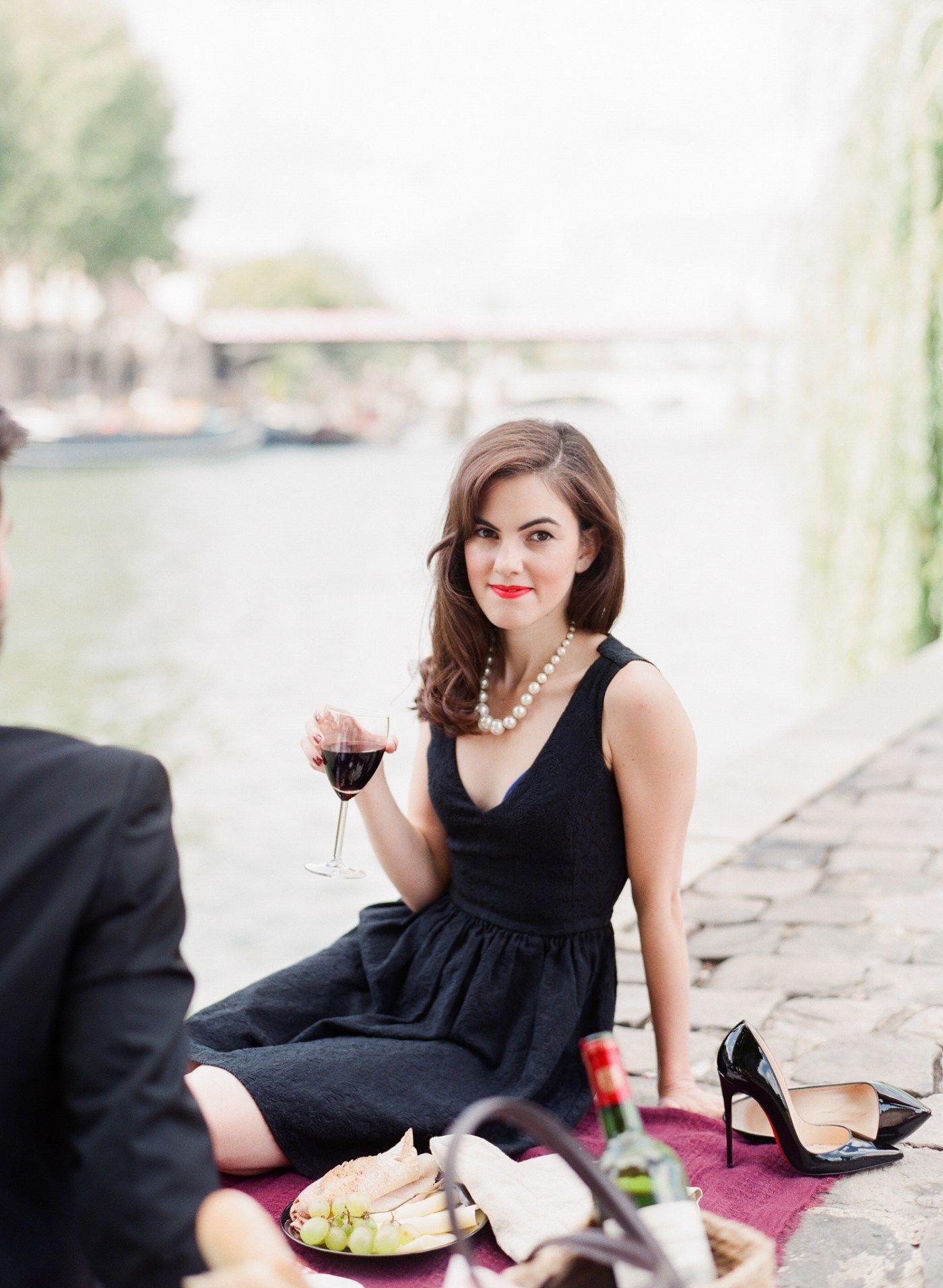 Black dress engagement photos - Engagement Paris Anniversary Session Pre Wedding Louboutin So Kate Little Black