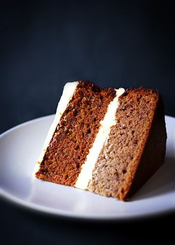 Carrot and Banana Cake 'The Bananarrot' - Citrus and Candy
