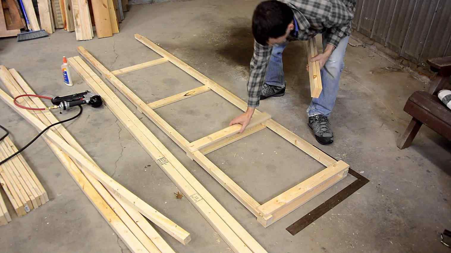 How To Build A Freestanding Wall On Wheels (12 Pictures