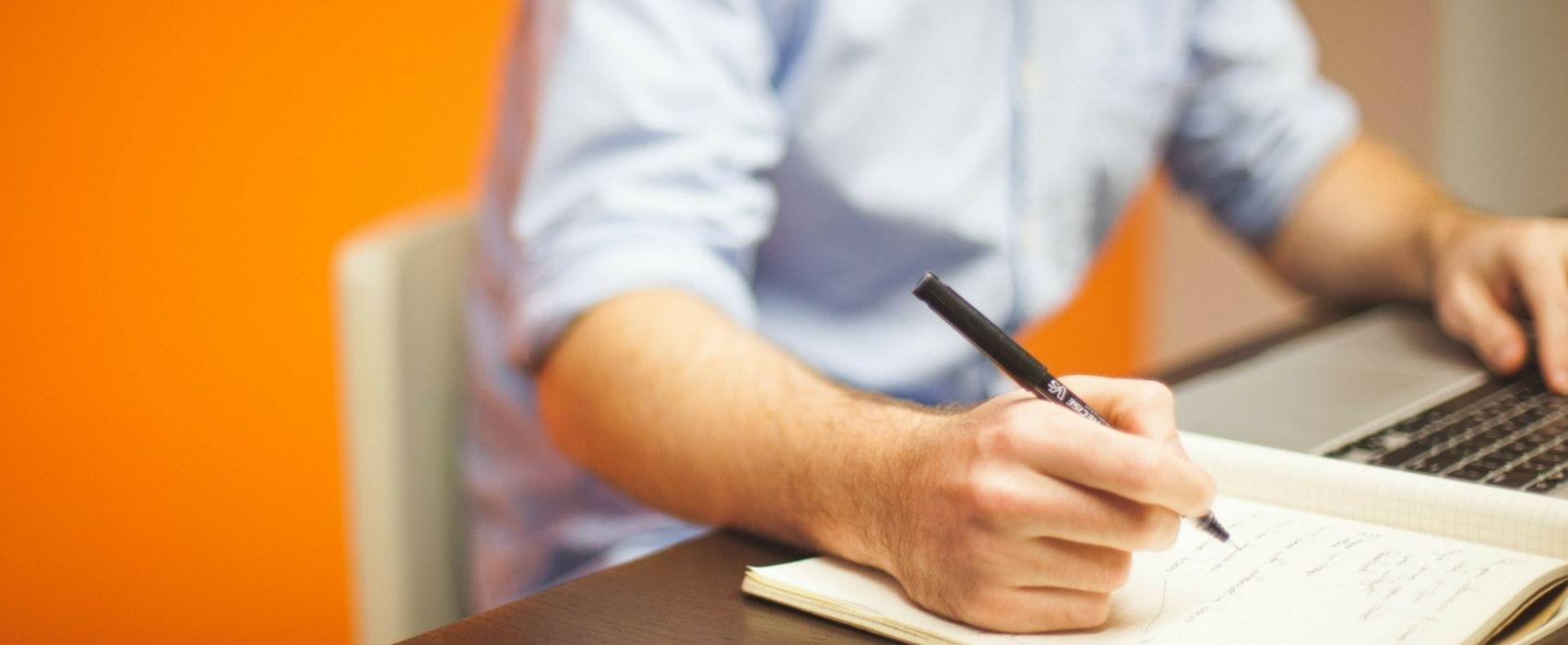 Let's learn how to write a job-winning resume for freelance translator in 10 easy steps
