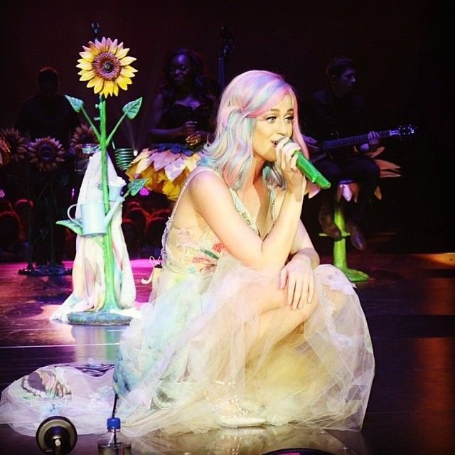 #DoubleRainbow by #katyperry !! The Prismatic World Tour