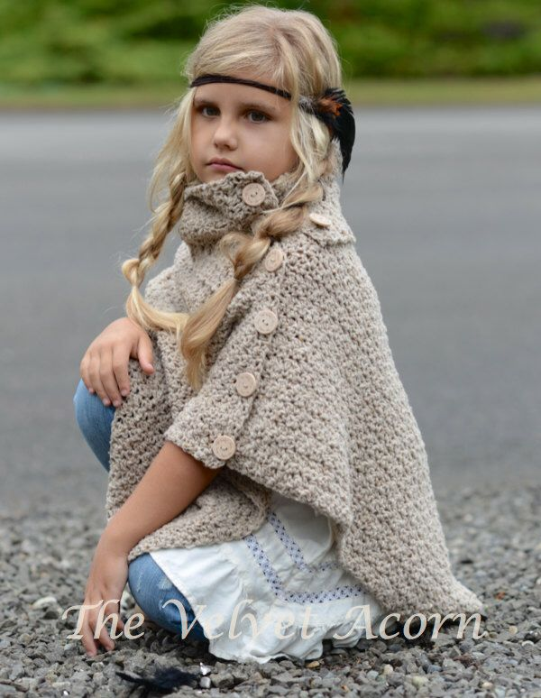 CROCHET PATTERN-The Timberlyn Poncho (toddler, child, teen and adult sizes) door Thevelvetacorn op Etsy https://www.etsy.com/nl/listing/249739916/crochet-pattern-the-timberlyn-poncho