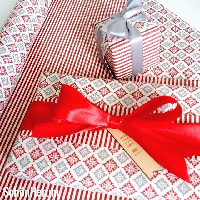 Doppelseitiges Geschenkpapier / bothside wrappingpaper / http://schoenherum.de #geschenkverpackung #giftwrapping