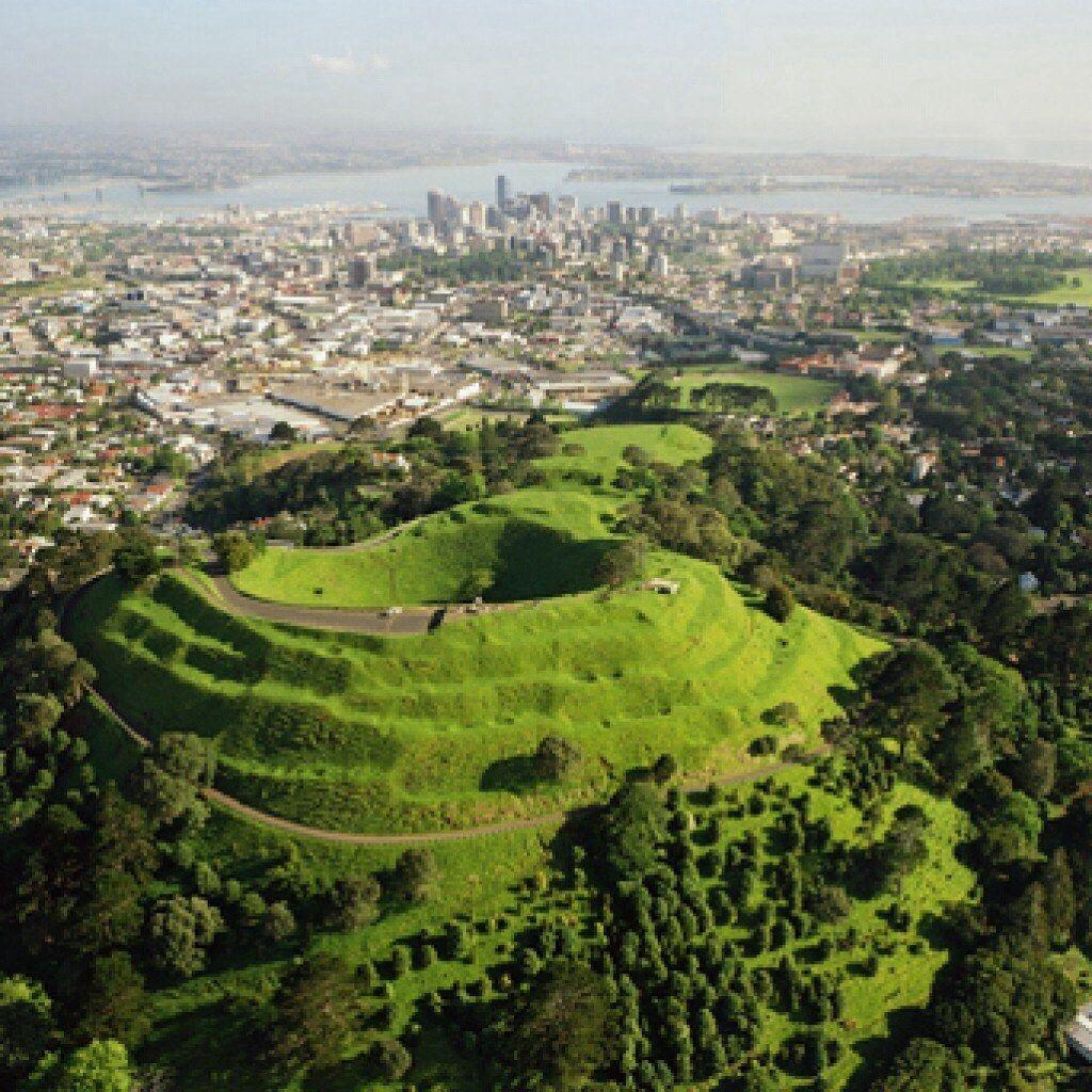 Mount Eden crater in New Zealand | Mount eden, Auckland ...