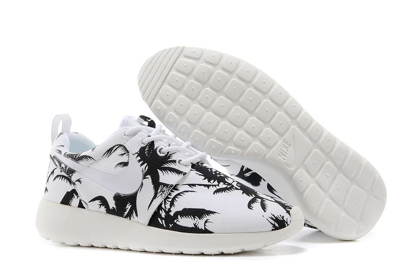 nike roshe run black and white palm tree print womens [Nike WMNS