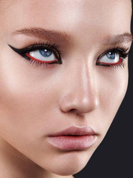 Четыре главных весенних тренда в макияже. В центре внимания-яркий цветовой акцент новые фото