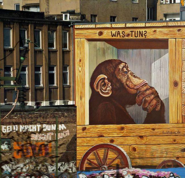 Graffiti Düsseldorf die straße gleitet fort und fort graffiti zwischen oberhausen und
