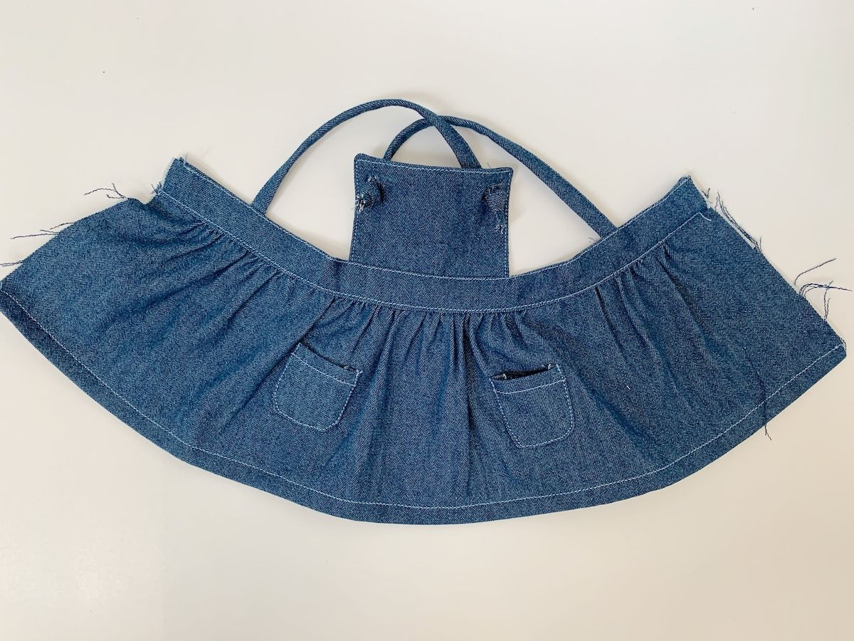 18 Doll Pinafore Dress Pattern and Tutorial #dolldresspatterns