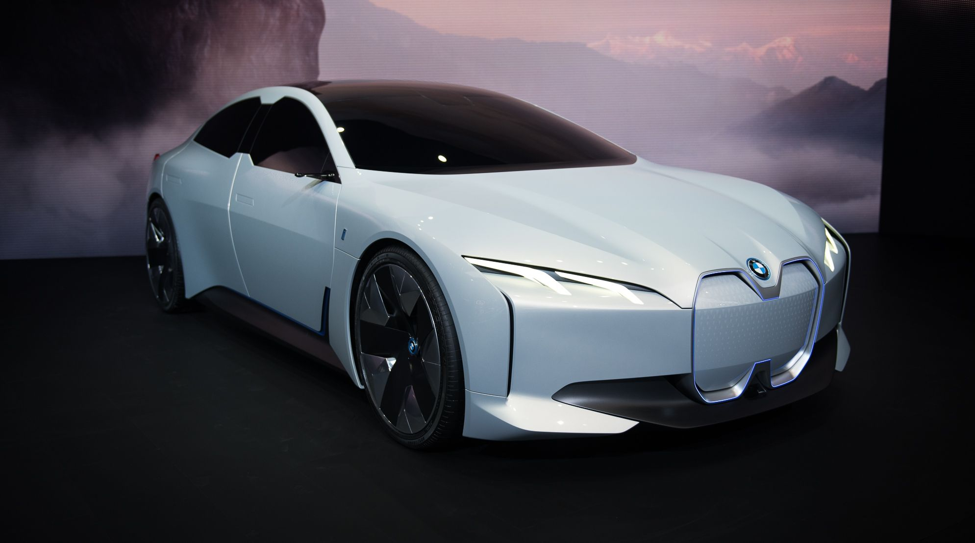 Bmw S Tesla Beating I4 Could Have Between 340 And 435 Miles Of