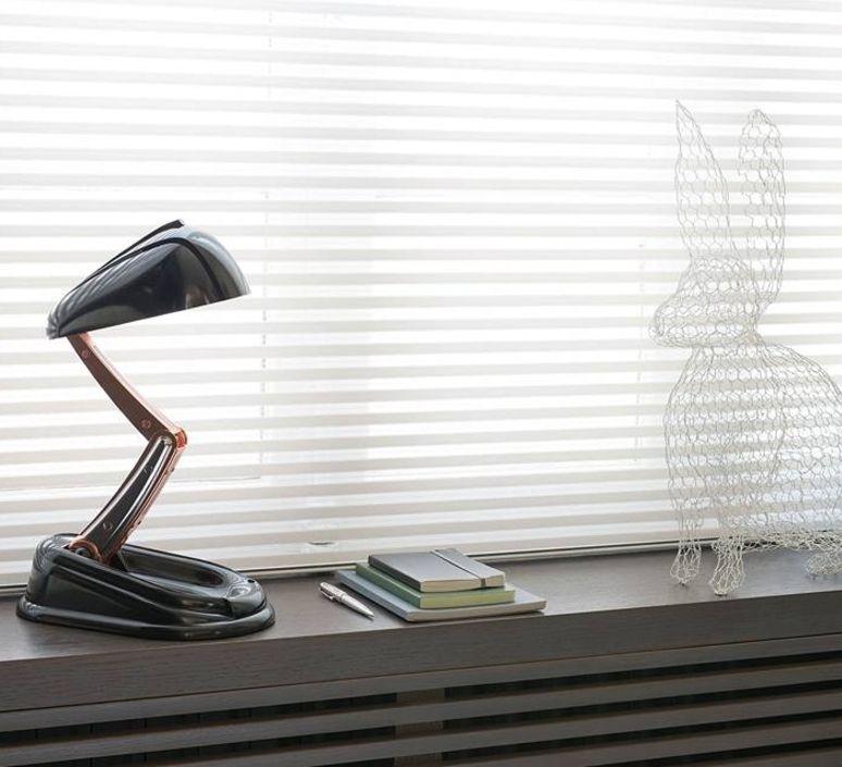reeditee par new jumo concept voici la lampe jumo classique noire classique et elegante