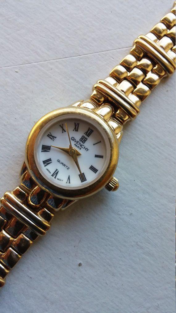 Givenchy Paris Ladies Quartz Watch - MINT condition - gold tone ... ffe96e45c899a