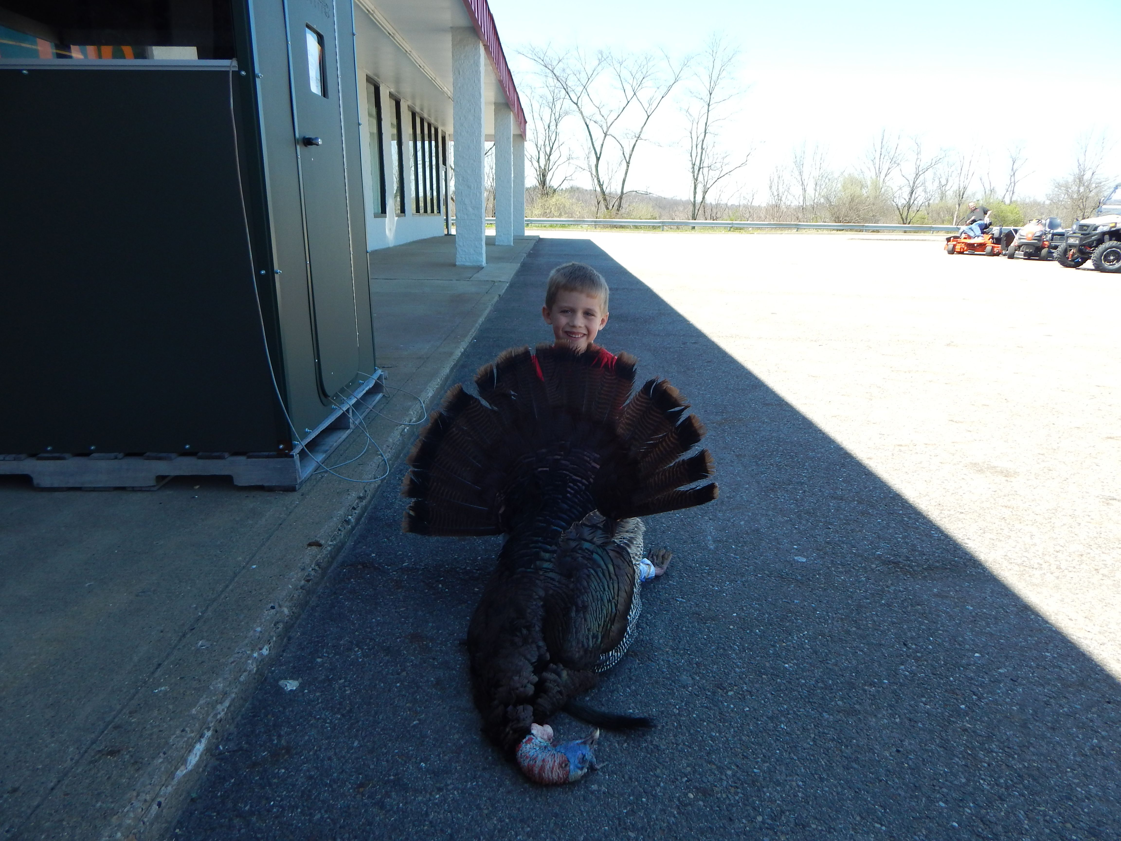 KILLED 4-16-16 BO EVERETT AGE 7 SPUR ARE 1 INCH AND 1