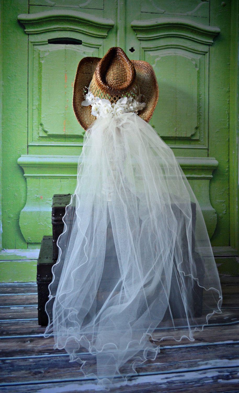 Western-wedding-veil-ivory-white-hat-cowgirl-cowboy-boots-bride-cake ...