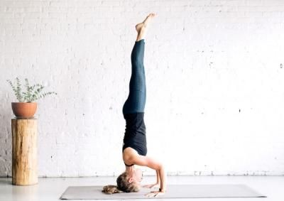 now you can tone your abs and arms with these 3 yoga poses