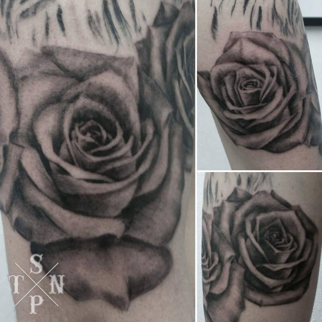 Tattoo en cours par Flo #black #sangpiternel #cannes #tattoo #tatouage #sangpiternel #cannes #tattooartist