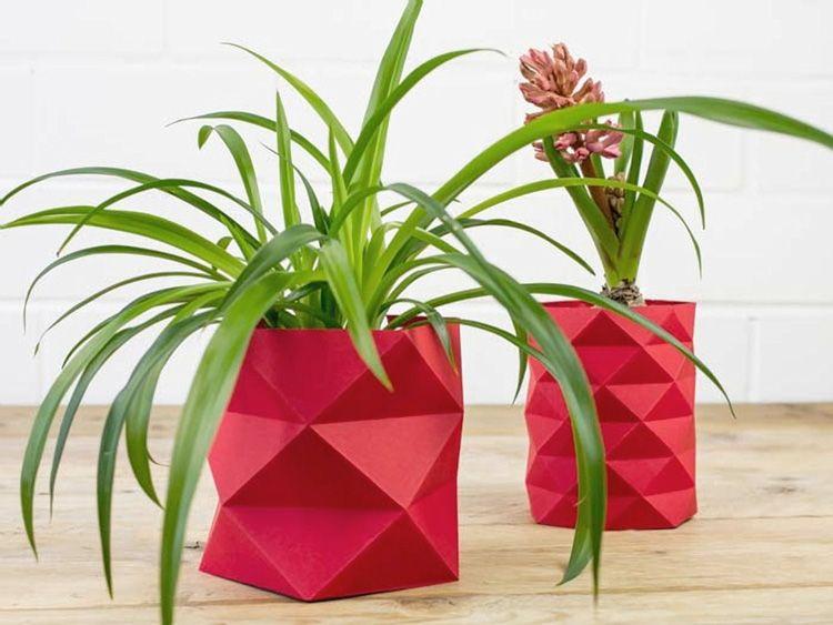 Tutoriales diy c mo hacer una maceta de origami v a for Varias plantas en una maceta