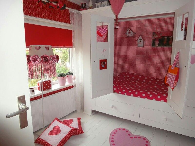 rode meiden slaapkamer met wit en roze | inspirerende ideeën wonen, Deco ideeën