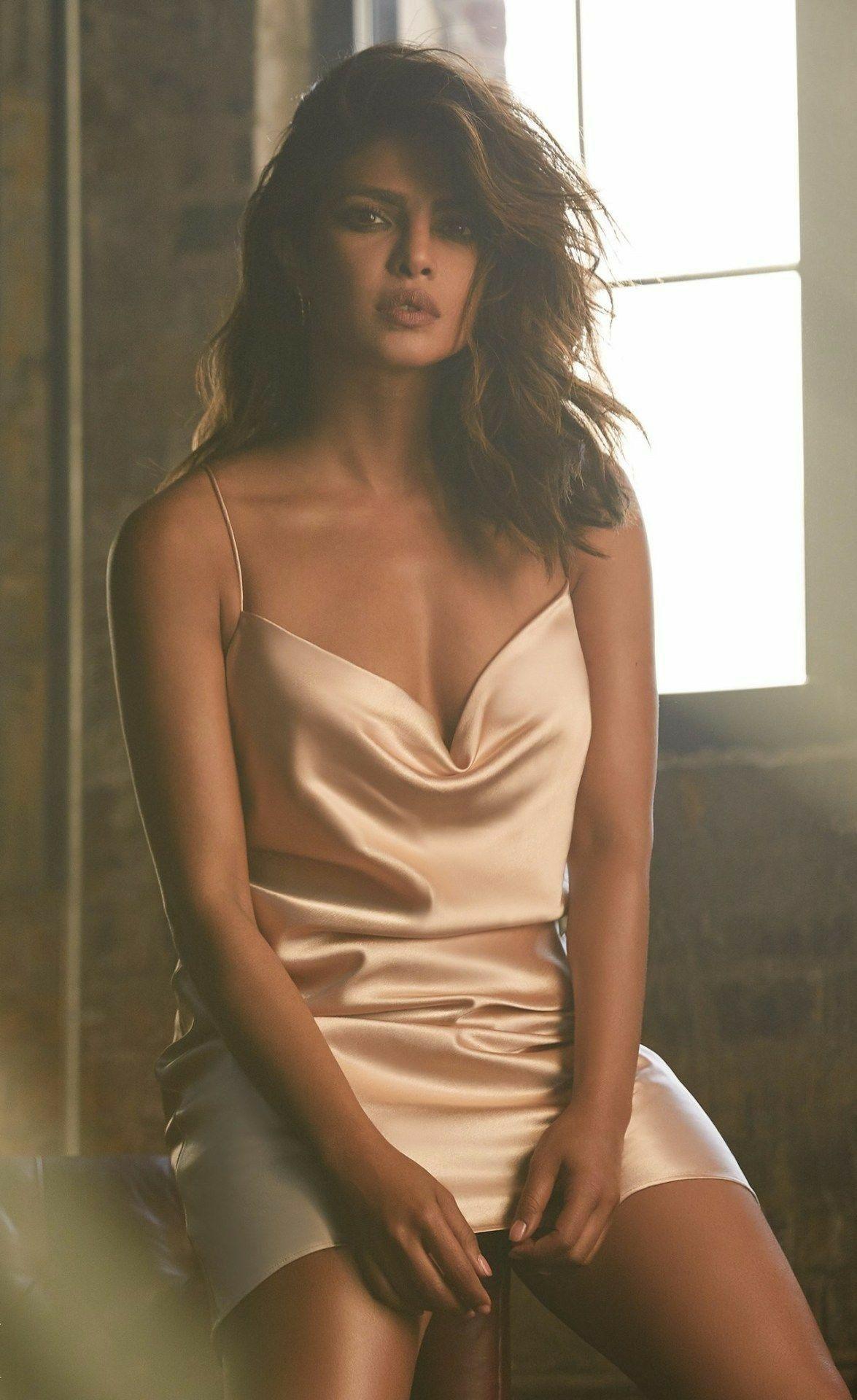 Latest Indian Actress Nude Boobs Bra Bikini Pornstar Model