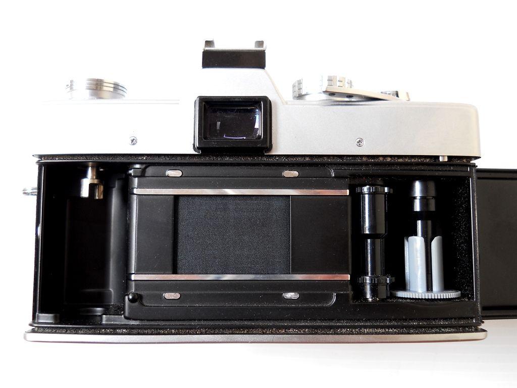 Inside of Minolta SRT101