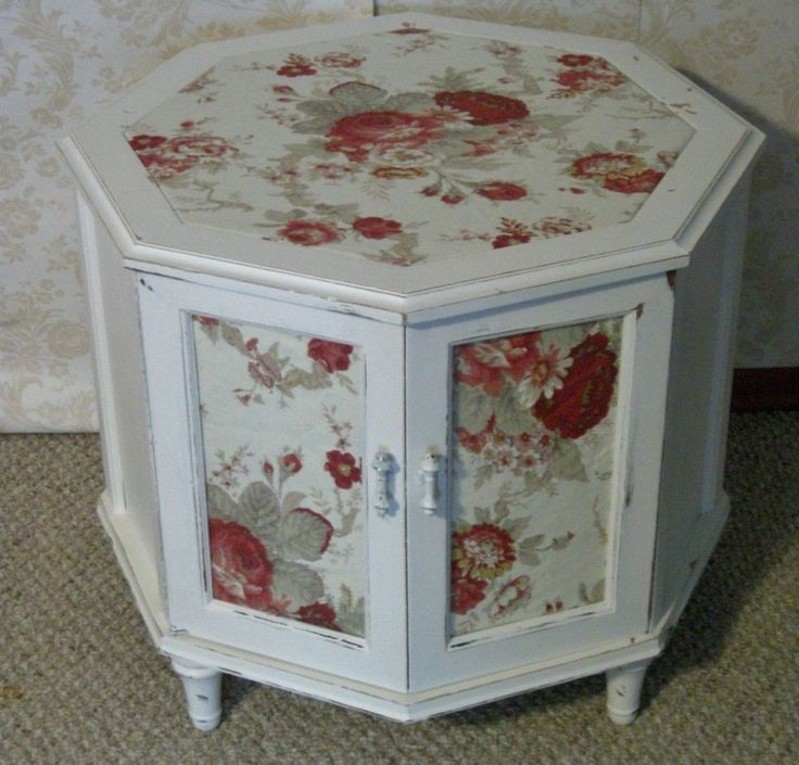 Charming Shabby White Painted Furniture. Waverly Vintage Rose Fabric /www