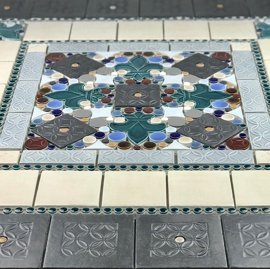 Fleur De Lis Mosaic Kitchenbacksplash Tiledots Fleurdelis Mosaic Custommade Customcolors Kitchendesign In 2020 Kids Rugs Rugs Quilts