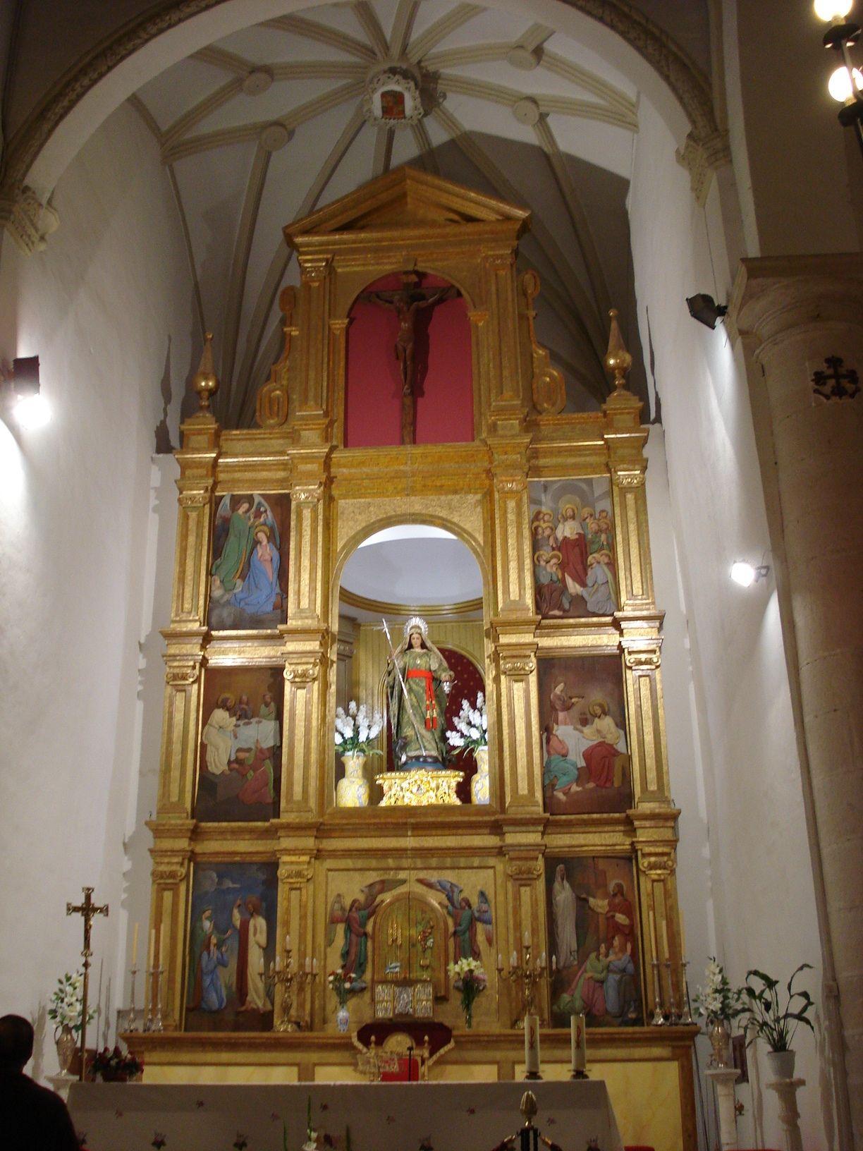altar mayor de la parroquia de Santa Marta