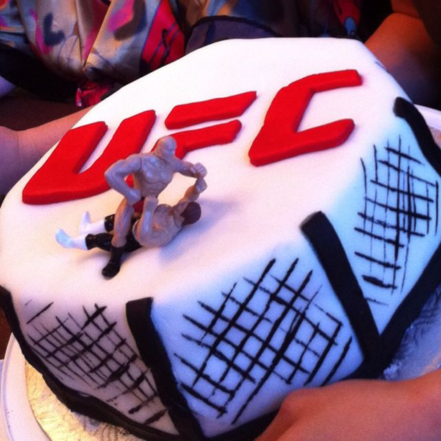 UFC cake for the hubby More Cool Stuff Pinterest UFC Cake