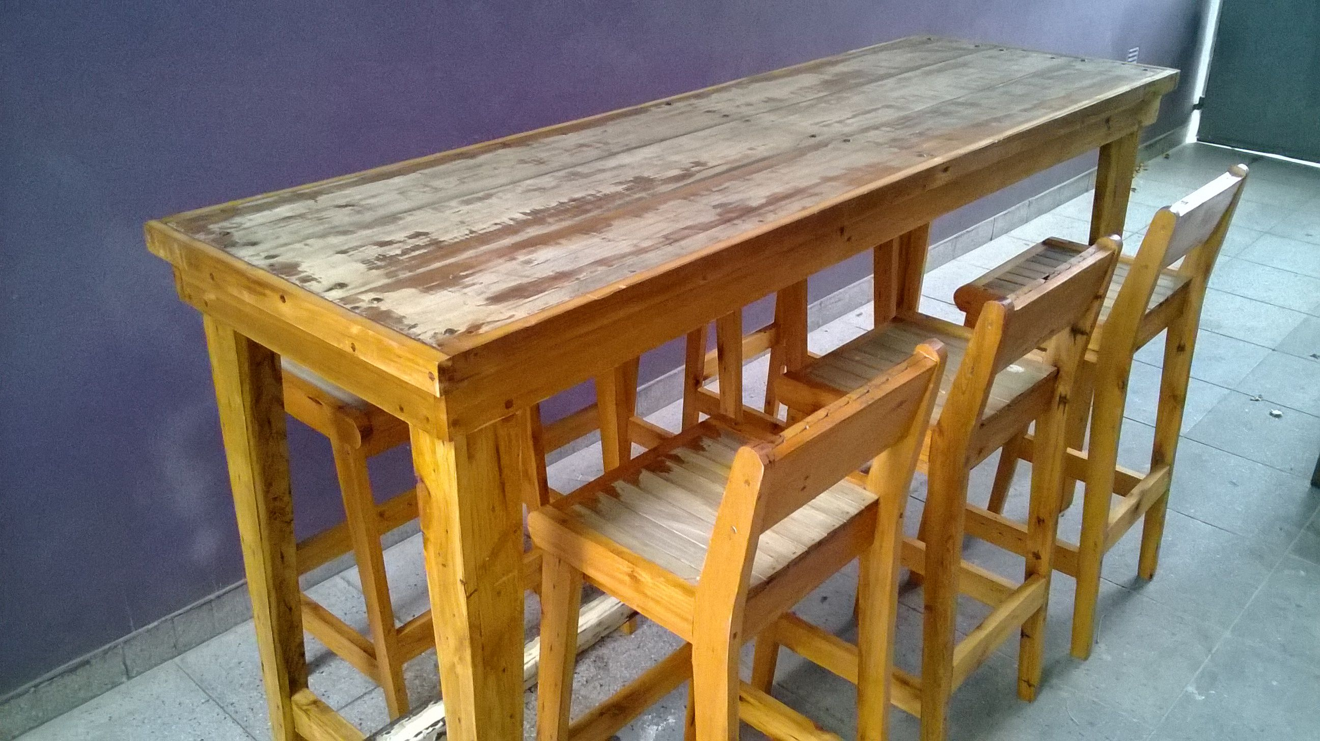 Barra desayunadora madera maciza pinterest barra for Maderas para barras desayunadoras