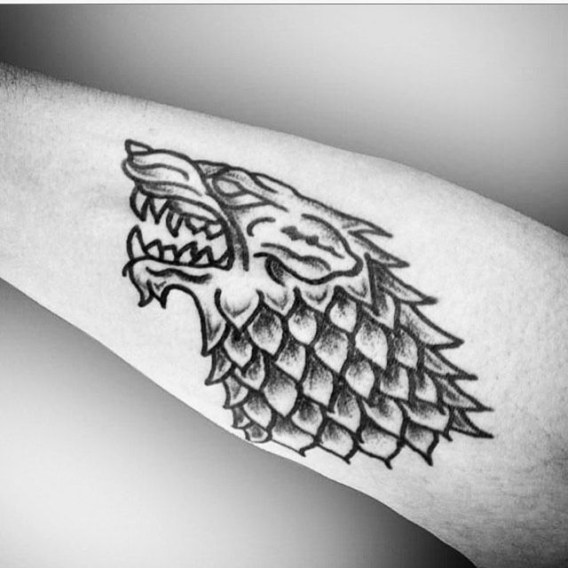 Tatuaje en honor a @gameofthrones        #tatuajes #tattoo #tatuajes #tattoos #black #blackwork #blackworkers #b...  Tatuaje en honor a @gameofthrones        #tatuajes #tattoo #tatuajes #tattoos #black #blackwork #blackworkers #blackworkink #ink #inklife #inked #inks #gameofthrones #mexico #mexicotatuajes #tatuadoresmexicanos #blackworksubimission #wolf #wolftattoo #mexico #cdmx
