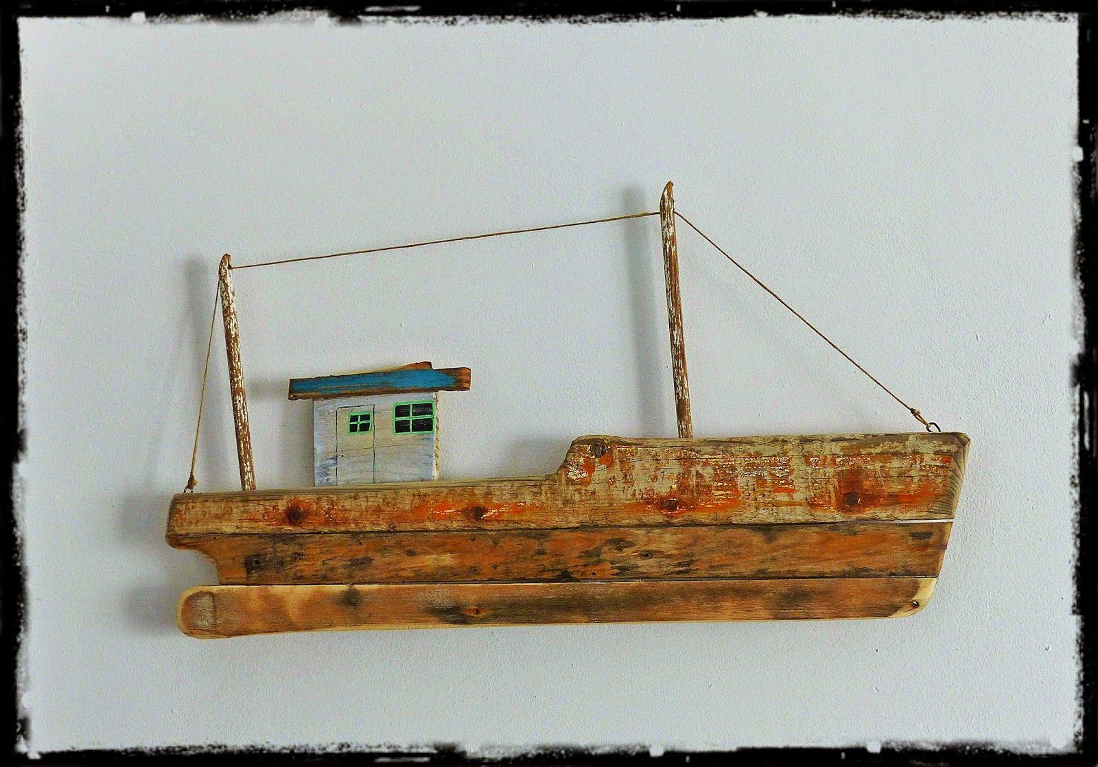 bateau de peche en bois flott driftwood fishing boat. Black Bedroom Furniture Sets. Home Design Ideas