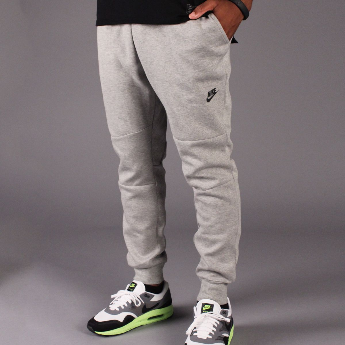 separation shoes 9facc a77e7 Nike Tech Fleece Pant 1MM (Dark Heather Grey Black)