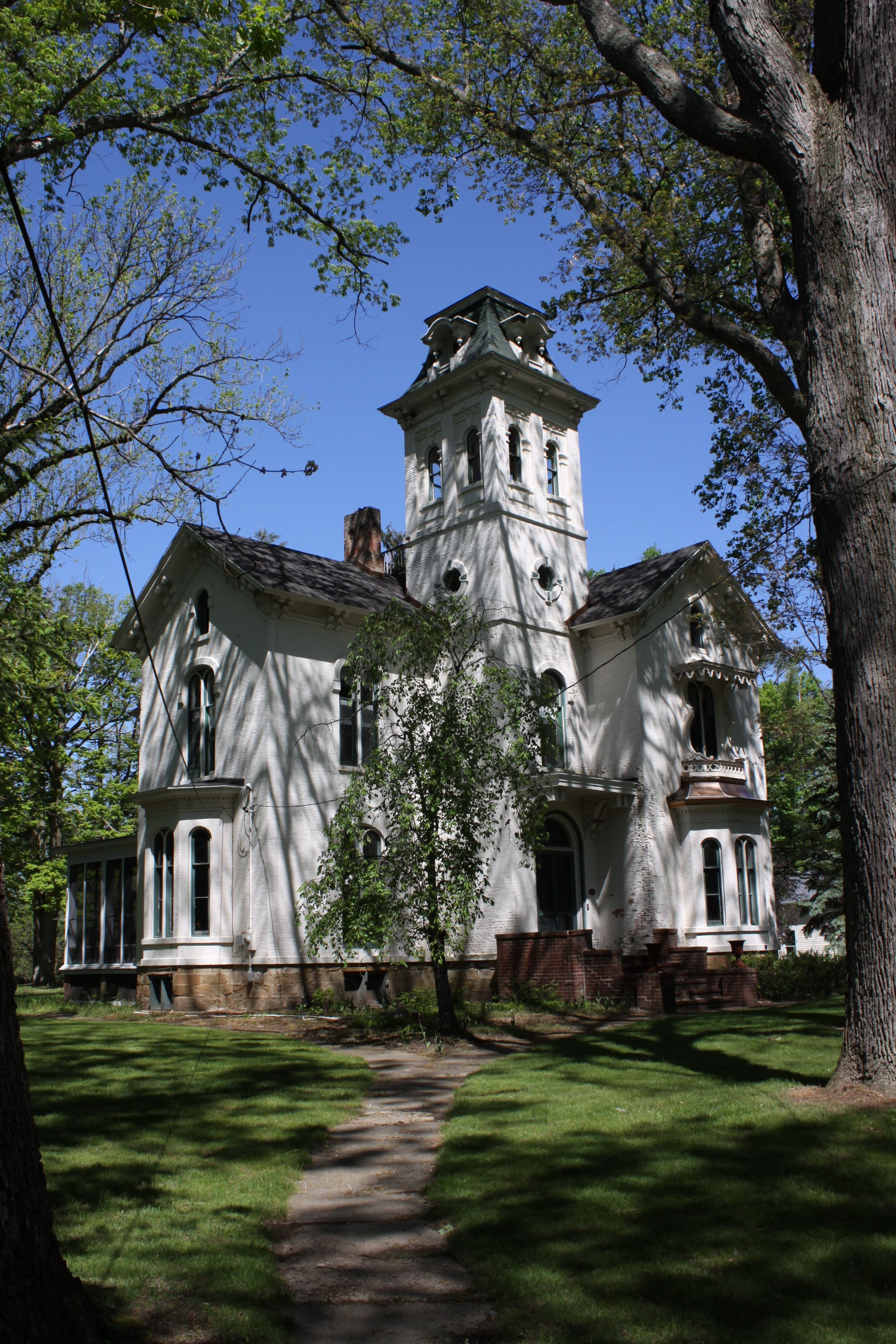 The Cronin House The Famous Inspiration For John Bellairs The House With The Clock In Its Walls Prospect Street Marshall Michigan Victorian Homes