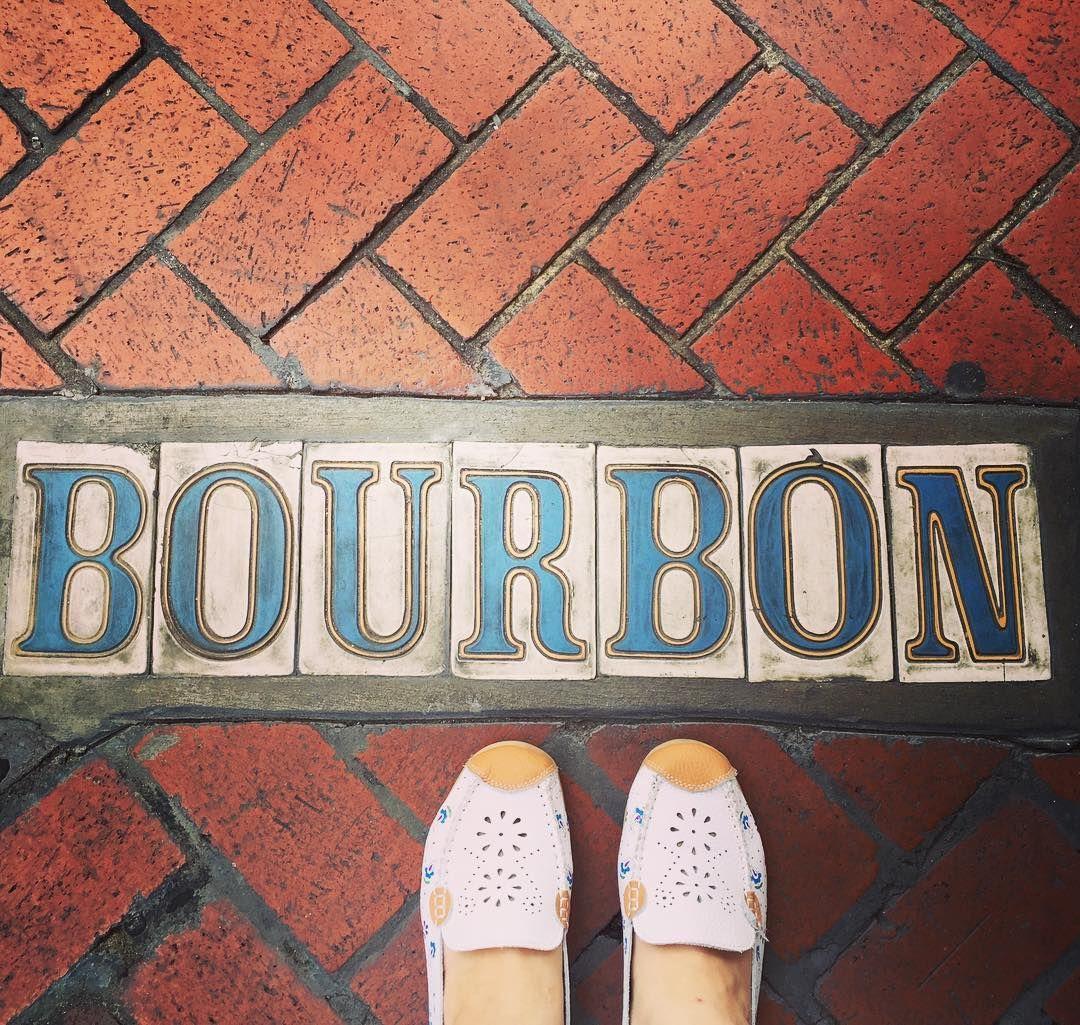 """I bet a dollar I can tell you where you got yo shoes."" Yep. #bourbonstreet #neworleans #nola #laissezlesbontempsrouler"
