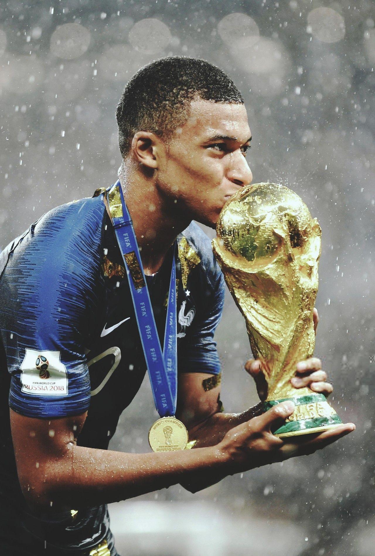 Kylian Mbappe Boy Wonder World Cup Winner At 19 Years Old Football Russia 2018 Foot Futbol Football E Kylian Mbappe World Cup Kilian Mbappe