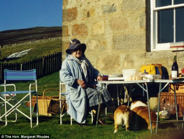 Visitors given a chance to see Queen Mother's secret