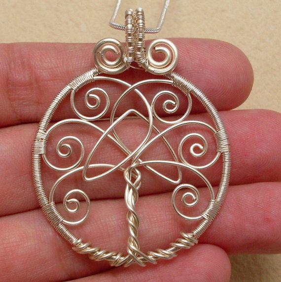 Photo of Artikel ähnlich Baum des Lebens Anhänger Silber Baum des Lebens Anhänger mit keltischen Trinity-Knoten, Draht gewickelt Baum des Lebens Anhänger Silber Baum des Lebens Anhänger auf Etsy
