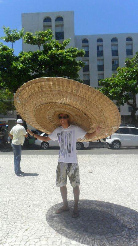 Chapéu de palha gigante em Ilhéus Bahia Brasil.  2bcfd37e641