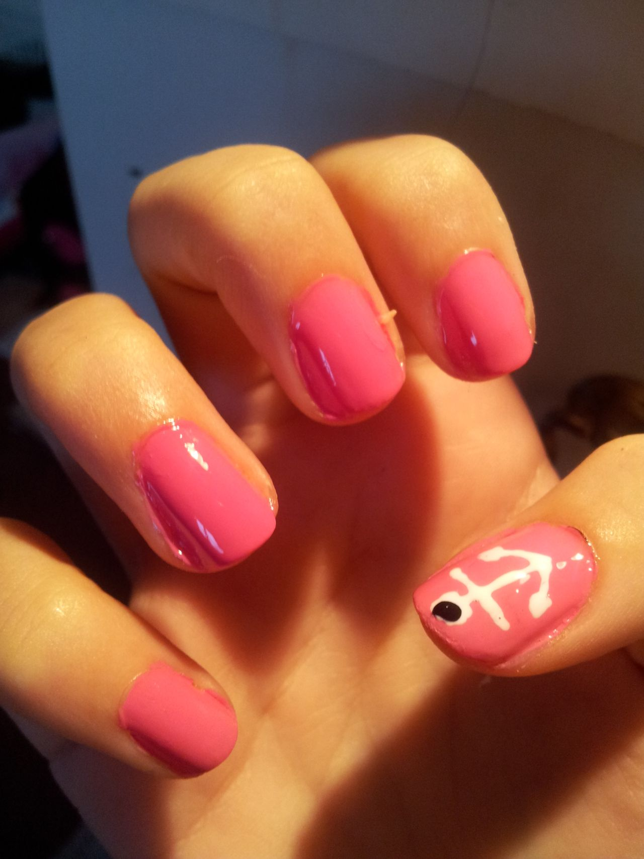 sooo want to paint my nails like this <3