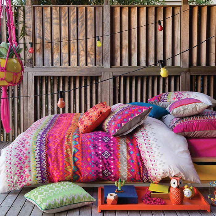 Bettwäsche für den Sommer   Bedroom themes, Quilt cover and Bright ...