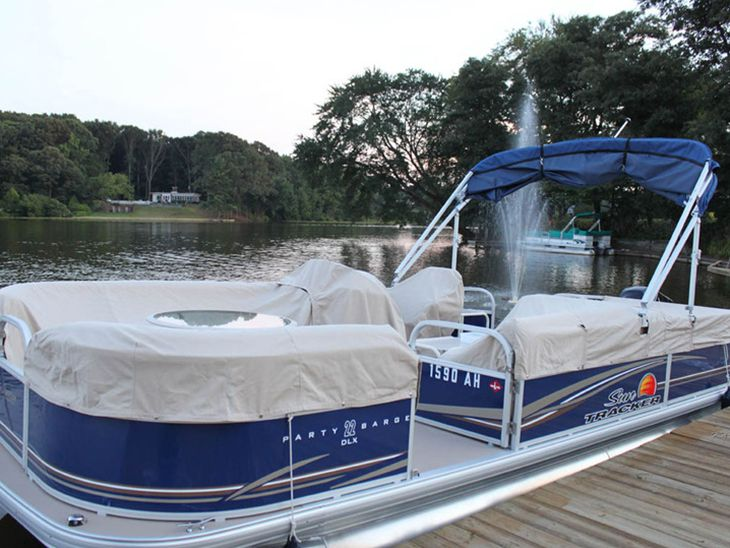 Awe Inspiring Selecting The Right Cover Vinyl Boat Seat Covers Pontoon Alphanode Cool Chair Designs And Ideas Alphanodeonline