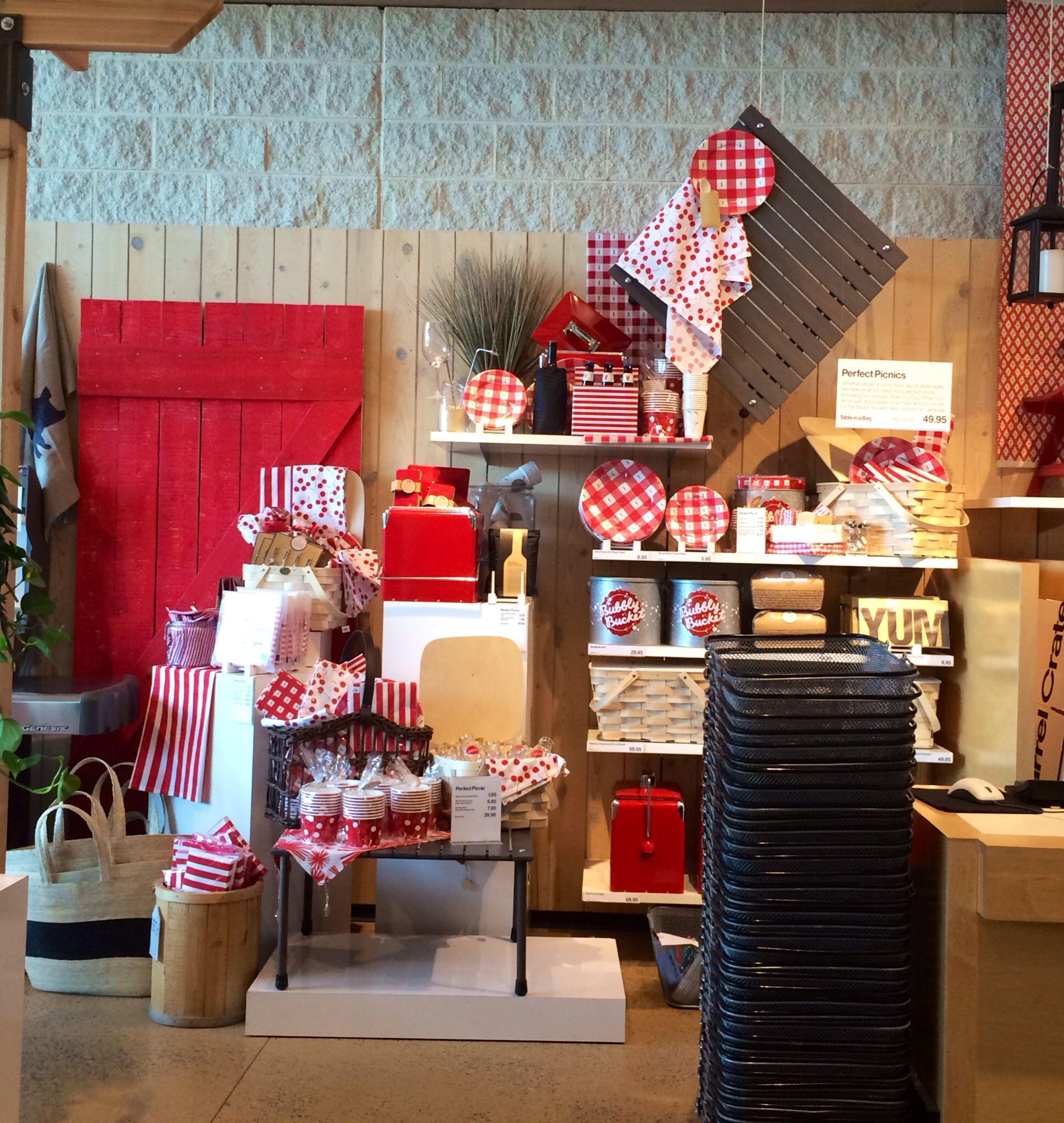 Crate & Barrel | Philadelphia PA | April 2014 | Visual Merchandising ...