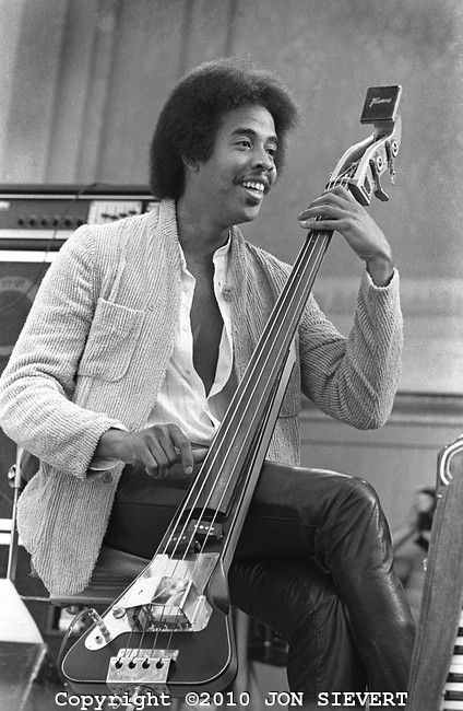 Stanley Clarke | Jazz musicians, Jazz players, Stanley clarke