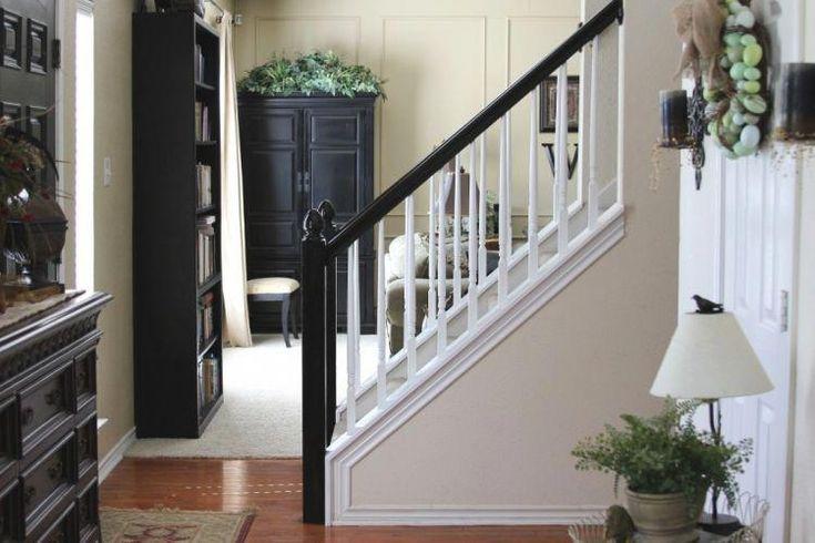 Treppengelaender-streichen-schwarz-weiss-traditionell-Flur ...