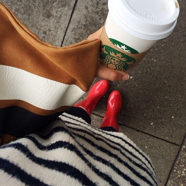 So sick of this rain, but at least I'm getting good use out of my @Hunter Boots #brightside #sf #rainyday #stripes @shopclarev