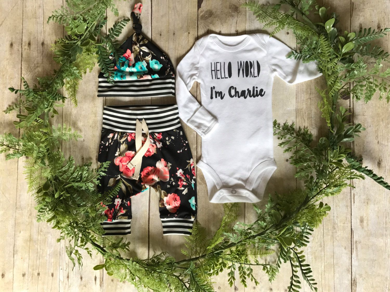 Custom Name Newborn Girls Take Home Outfit / Hello World Newborn Girl Coming Home Outfit / Newborn Floral Outfit // Newborn Name Girl Outfit