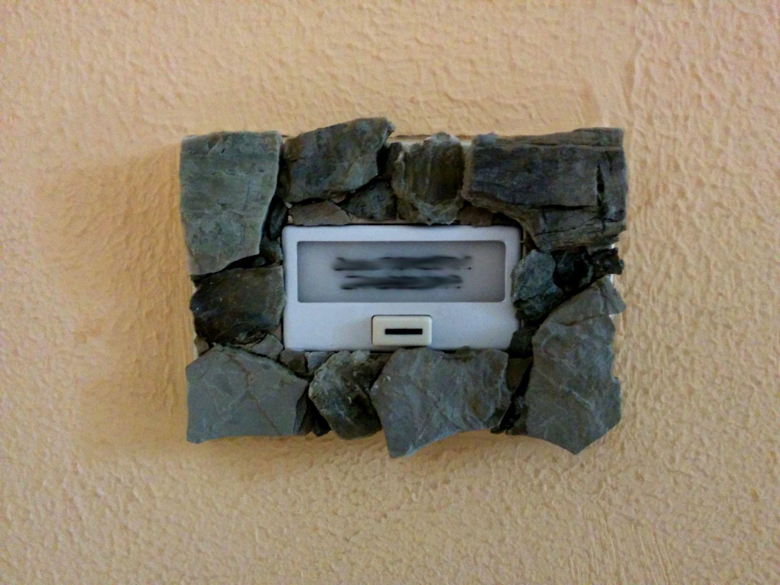 Acque d'Idice Blog   Stone switch plates   Rivestire placche elettriche in pietra locale