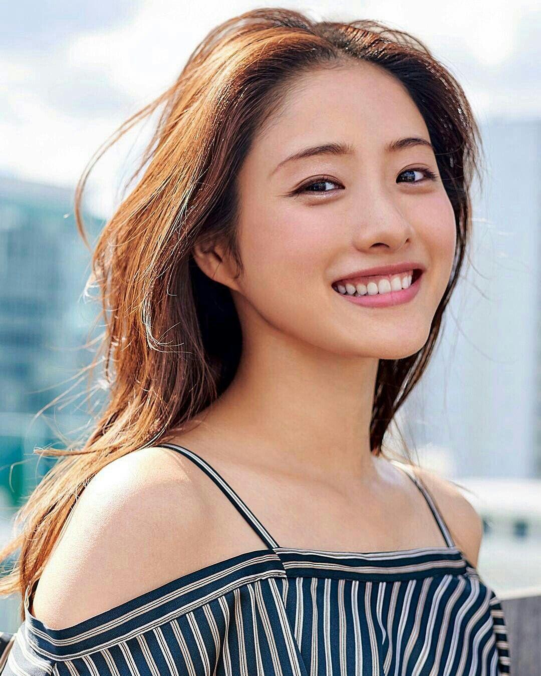 Beautiful Chinese Ladyboys - Asian Traps | Asian