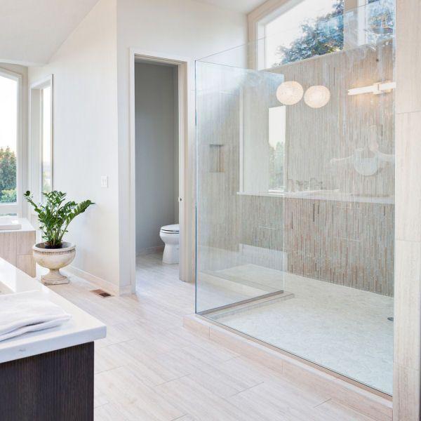 rahmenlose walk in glasdusche nach ma interior wellness badezimmer badezimmer bad und. Black Bedroom Furniture Sets. Home Design Ideas