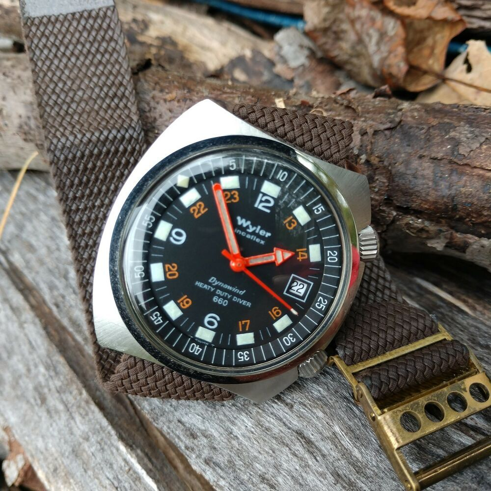 Wyler 660 Dynawind Dual Crown Vintage Diver Watch