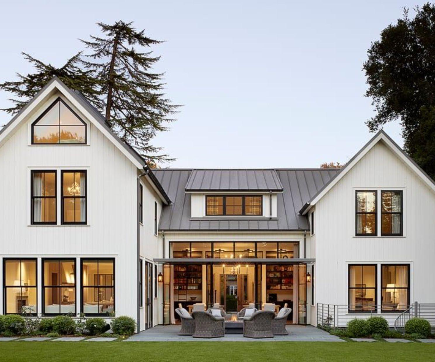 Black Trim For Windows White Modern Farmhouse Modern Farmhouse Exterior Dream House Exterior Farmhouse Exterior